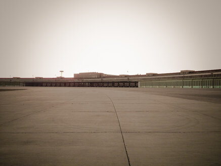 airport Tempelhof, Berlin, Germany - FB000147