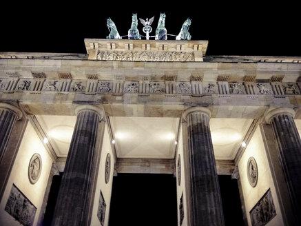 Brandenburger Tor at night, Berlin, Germany - FBF000118