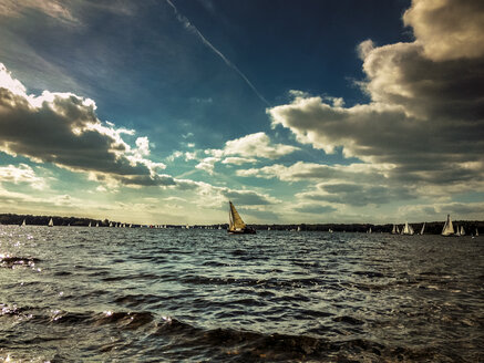 Sailing boats on Wannsee, Berlin, Germany - FBF000112