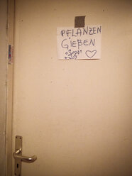 handwritten sign on door - FBF000108