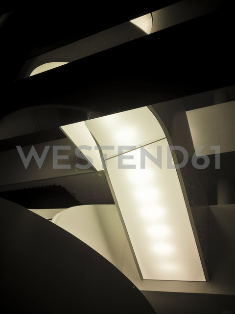 Lights in modern building, Berlin, germany - FB000107 - Frank Blum/Westend61