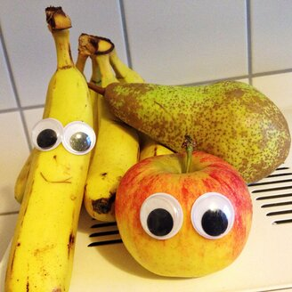 Fruit with eyes - RKN000160