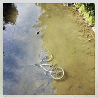 Bicycle in a river in Telgte, Lower Saxony, Germany - SEF000402