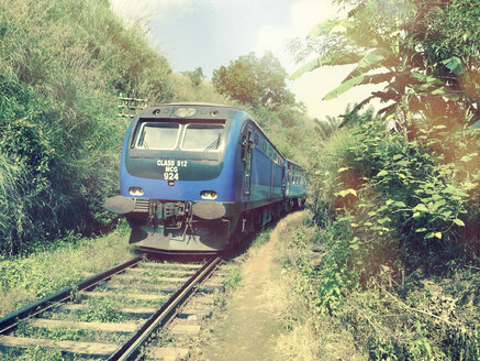 Train, railway line, Sinhalese, Kandy, Sri Lanka - DR000394