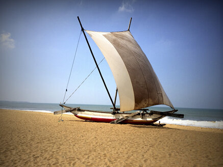 Catamaran, beach, Negombo, Sri Lanka - DR000366