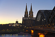 Germany, North Rhine-Westphalia, Cologne, view to Cologne Cathedral and Museum Ludwig at evening twilight - WGF000206