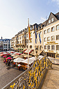 Germany, North Rhine-Westphalia, Bonn, view from old city hall to marketplace with street cafes and restaurants - WD002187