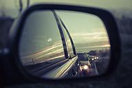 Germany, Mecklenburg-Western Pomerania, Ruegen, Reflection of cars in wing mirror - MJF000713