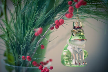 Frog figurine in Christmas tree - MJF000640