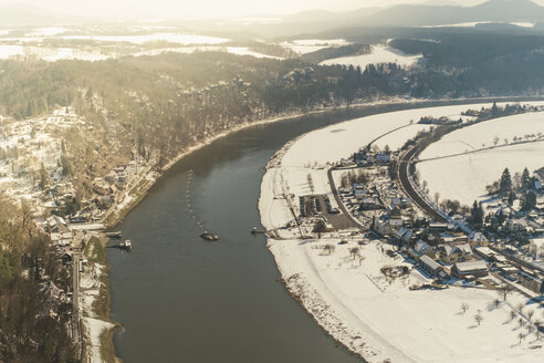 Germany, Saxony, Saxon Switzerland, River Elbe in winter - MJF000694
