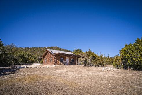 USA, Texas, Log house - ABAF001186