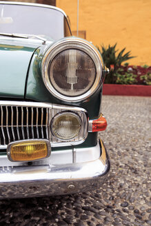 Portugal, Madeira, Funchal, Museum of Comtemporary Art, front part of a classic car parking at courtyard - VT000076