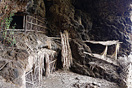 Spain, Canary Islands, La Palma, Cave Cuevas de Buracas near Las Tricias - SIEF004990