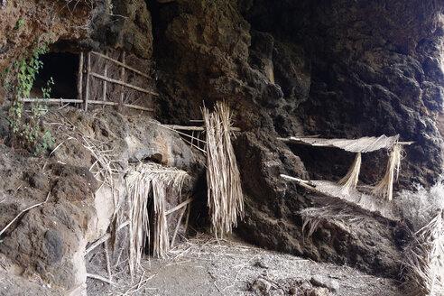 Spain, Canary Islands, La Palma, Cave Cuevas de Buracas near Las Tricias - SIEF004990