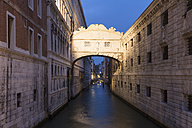 Italy, Venice, Bridge of Sighs - FOF005947