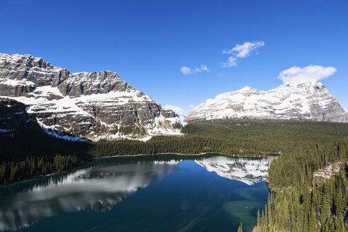 Canada, British Columbia, Yoho Nationalpark, Lake O'Hara and mountains - FO005840