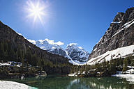 Canada, British Columbia, Yoho Nationalpark, Victoria Lake at Alpine Circuit - FOF005836