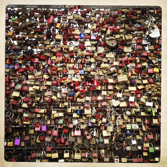 Love locks on the Hohenzollern Bridge. All 400 meters of the bridge are full of security locks by loving couples. Cologne, Germany. - ZM000157