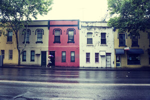Australia, New South Wales, Sydney, row of old residential houses - FB000207