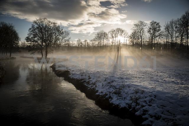 Germany, Bavaria, Landshut, winter landscape with morning sun - SARF000217