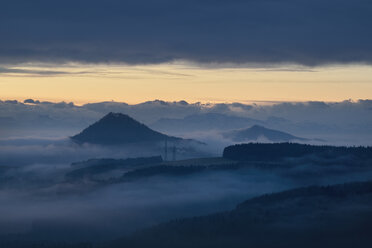Germany, Baden-Wuerttemberg, Constance district, Hegau, view to volcanos Hohenhewen and Hohenstoffeln before sunrise - ELF000824
