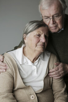 Portrait of senior couple, close-up - JATF000641
