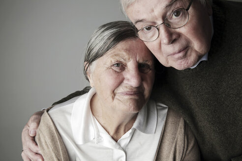 Portrait of senior couple, close-up - JATF000643