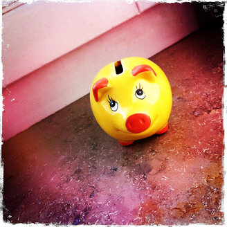 Cute Piggy Bank on a window sill, Germany - JAWF000006