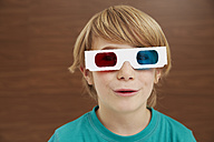 Germany, Boy wearing 3D glasses - FSF000100