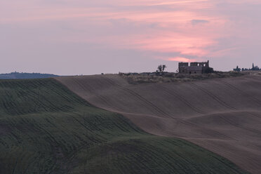 Italy, Tuscany, afterglow over rolling hills - PAF000343
