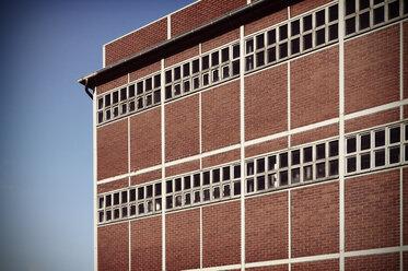 Germany, North Rhine-Westphalia, Minden, facade of chemical plant - HOH000448