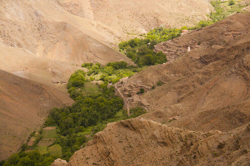 Morocco, High Atlas, Ait Bougoumez Valley with village and fields - WGF000243