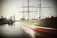 Germany, Hamburg, Sailing ship Rickmer Rickmers on River Elbe - HOH000473