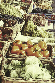 Market stall with fresh fruit and vegetables - HOHF000489
