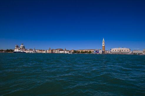 Italy, Venice, St Mark's Square with Doge's Palace and Campanile seen form church San Giorgio Maggiore - EJWF000267