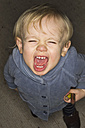 Screaming toddler, view from above - MUF001418