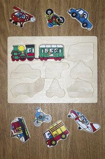 Wooden puzzle for little children - MU001426