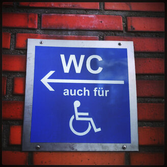 Germany, Hattingen, disabled toilet sign - HOHF000500