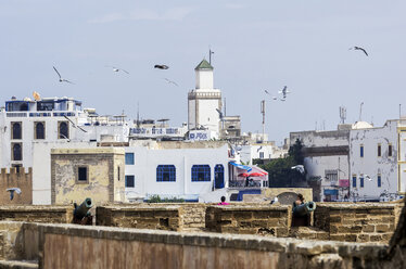 Morocco, Essaouira, Kasbah, city wall and cityscape - THAF000105