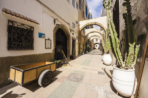 Morocco, Essaouira, Old Medina, alley - THAF000117