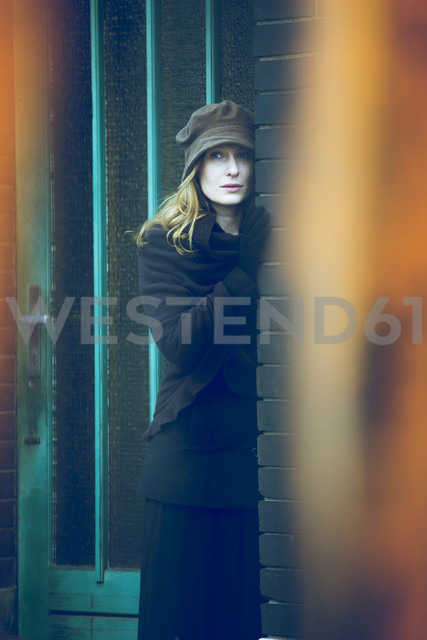 Portrait of daydreaming woman - NG000108 - Nadine Ginzel/Westend61