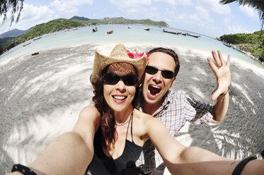 Thailand, Koh Phangan, Coupleat Thong Nai Pan beach - IPF000025