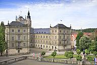 Germany, Bavaria, Coburg, Theaterplatz and Ehrenburg - VT000099