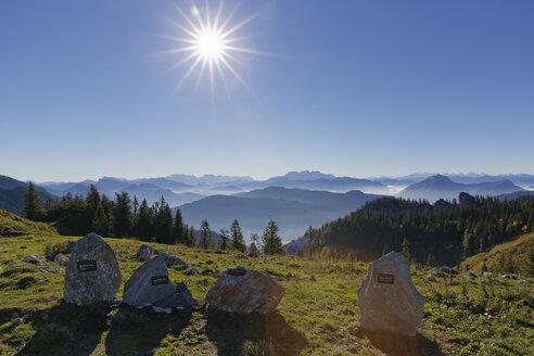 Germany, Upper Bavaria, Bavaria, Chiemgau Alps, Aschau, Chiemgau, Kampenwand, stones of different mountains as panoramic map - SIEF005104