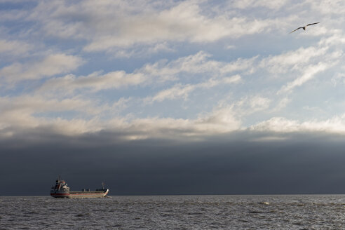 Germany, Ship on North Sea - FOF006385