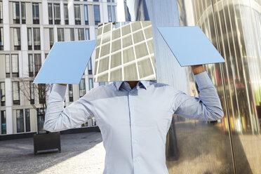 Man hidden behind rectangles - FMK000971