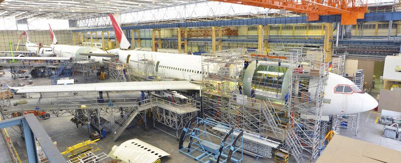 Airplane construction in a hangar - SCH000016