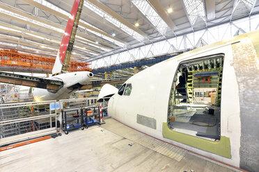 Airplane construction in a hangar - SCH000038