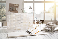 Desktop with architectural model in architecture office - FKF000419