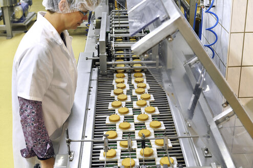 Germany, Food Industry, Cookie production in industrial bakery - SCH000094